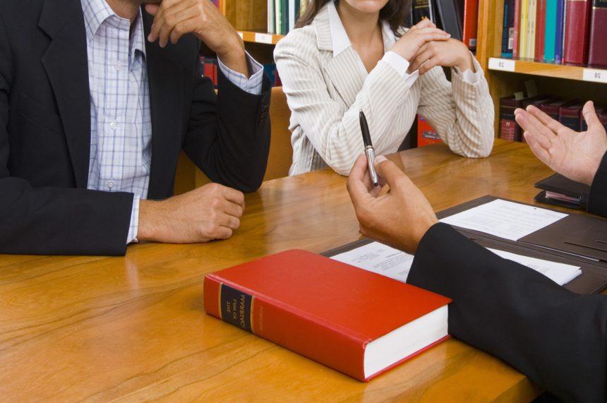 وکیل خیانت در امانت در مشهد 37602838